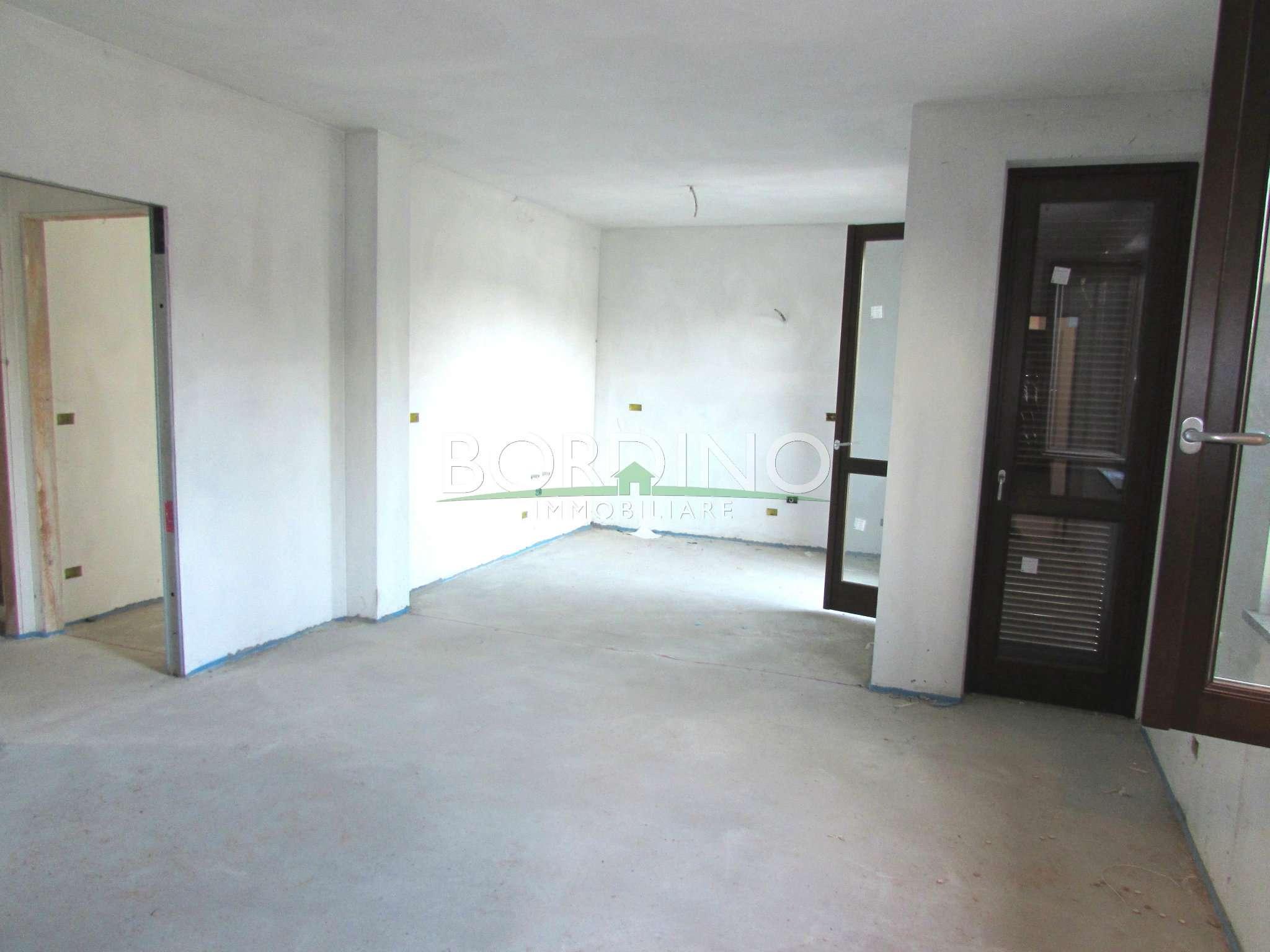 Appartamento in vendita a Monteu Roero, 4 locali, prezzo € 170.000 | CambioCasa.it