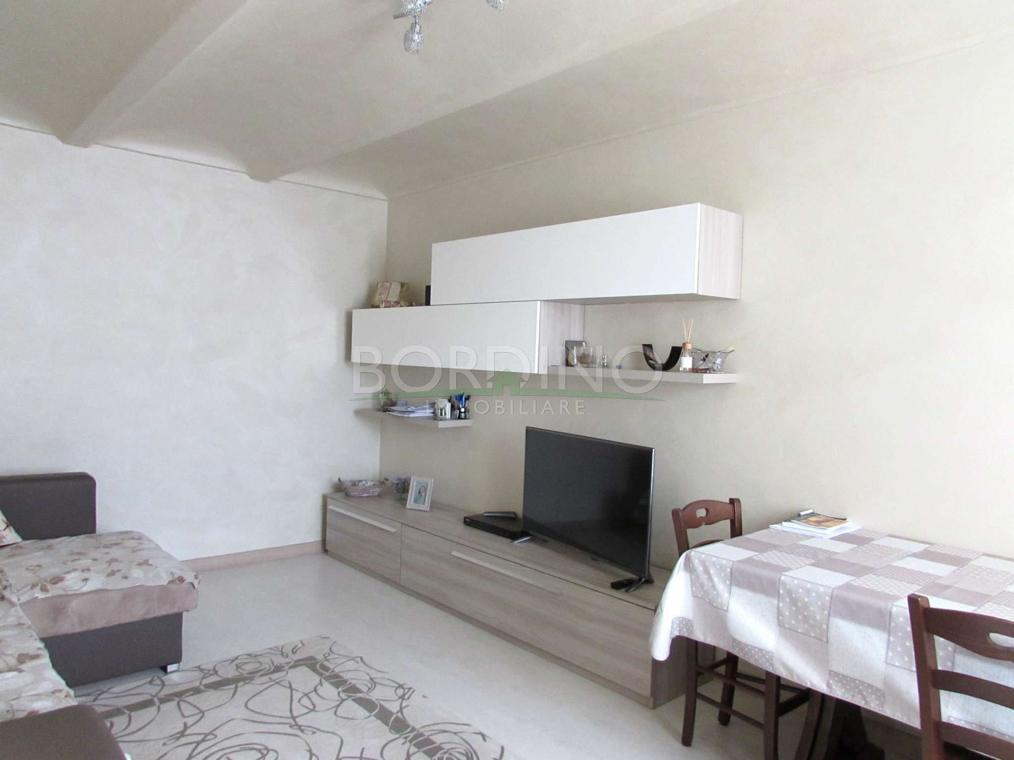 Soluzione Indipendente in vendita a Magliano Alfieri, 4 locali, prezzo € 180.000 | CambioCasa.it