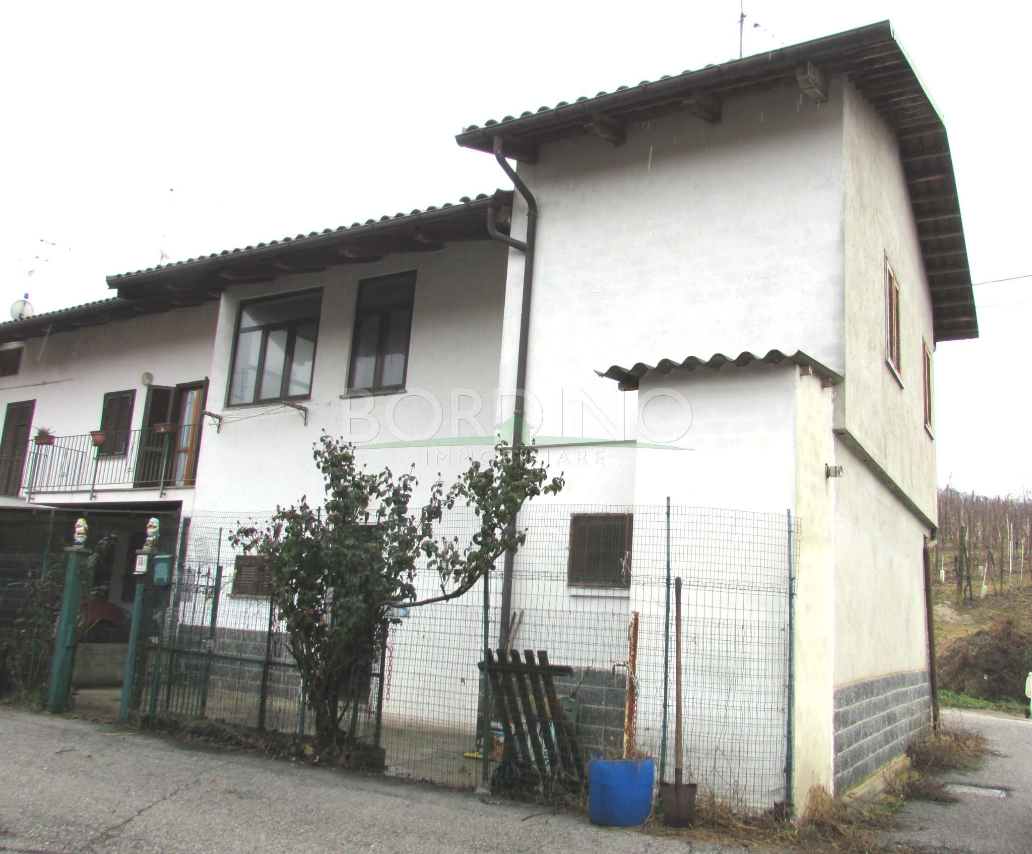 Casa Indipendente in buone condizioni in vendita Rif. 4829713