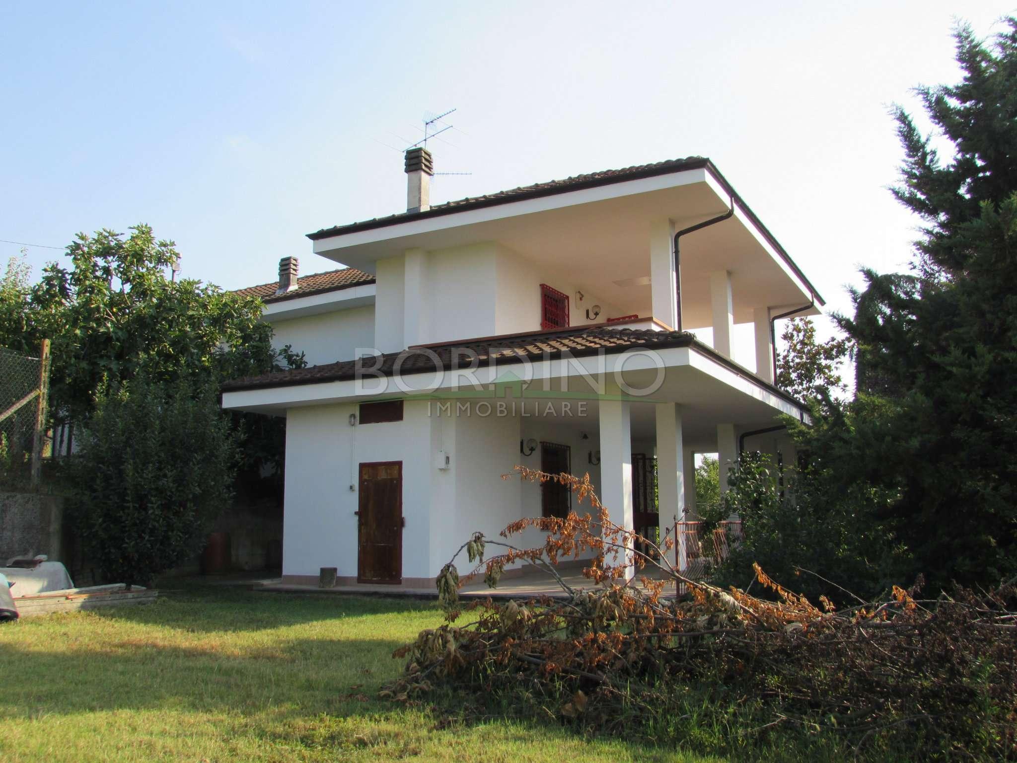 Villa in vendita a Priocca, 6 locali, prezzo € 265.000 | CambioCasa.it