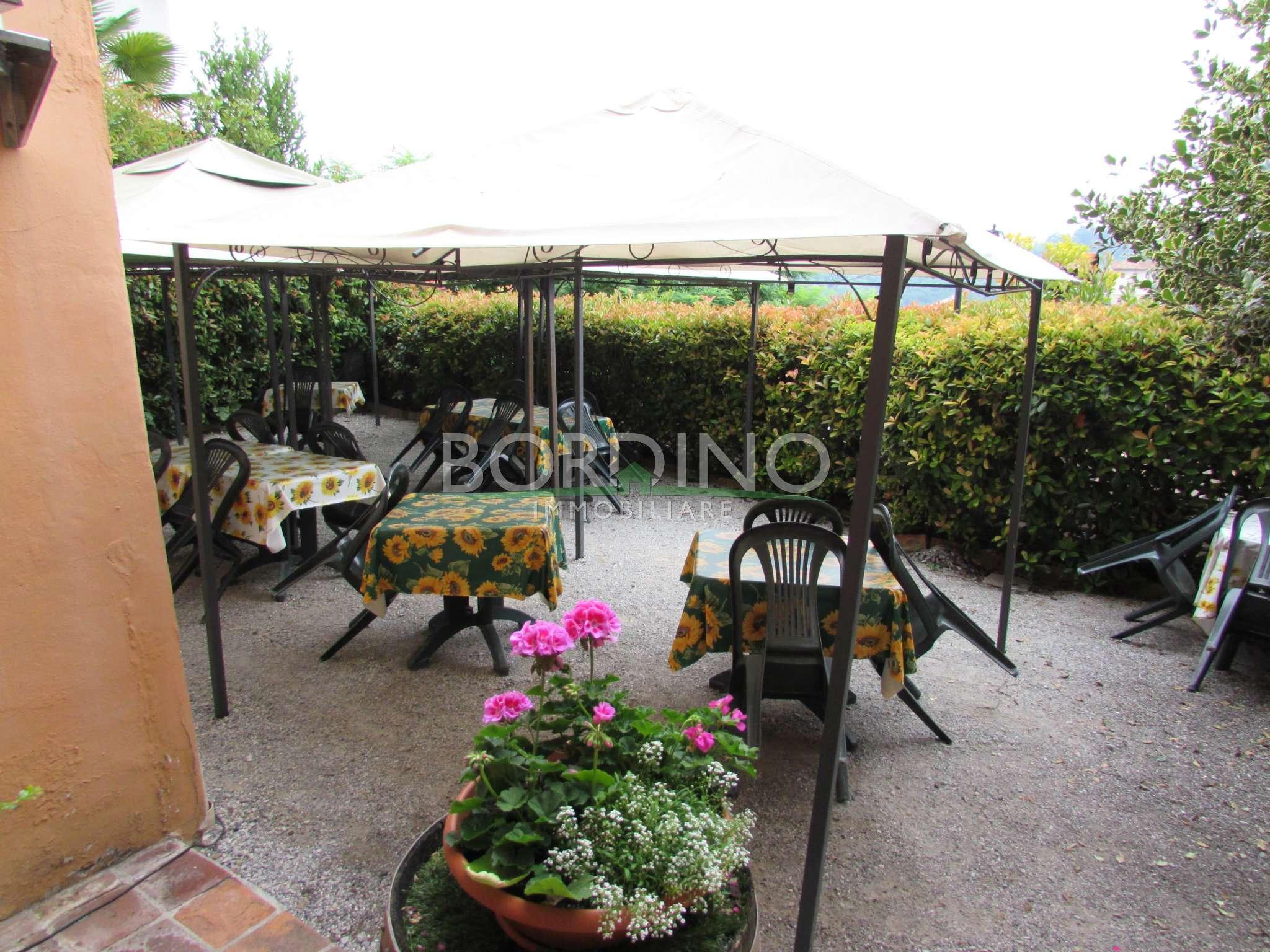 Soluzione Indipendente in vendita a Vezza d'Alba, 10 locali, prezzo € 210.000 | CambioCasa.it