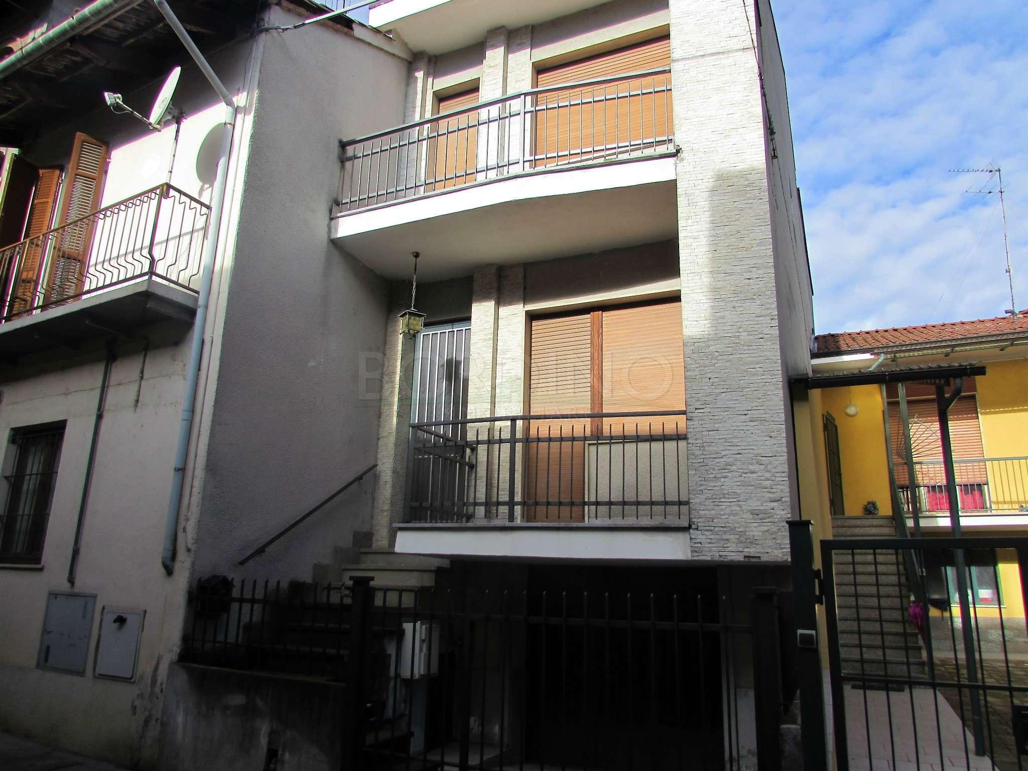 Palazzo / Stabile in affitto a Canale, 4 locali, prezzo € 400 | CambioCasa.it