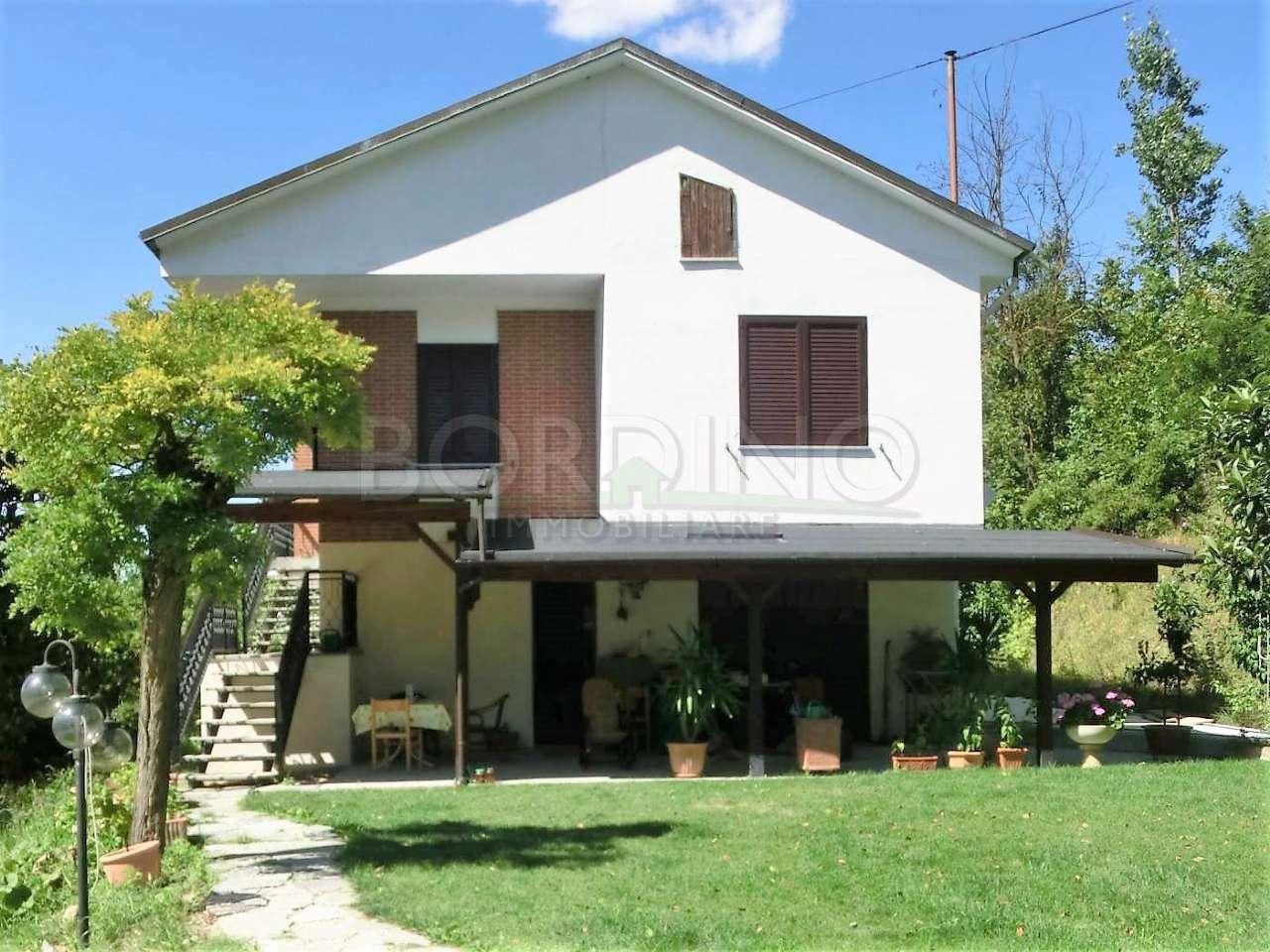 Villa in vendita a Neive, 4 locali, prezzo € 180.000 | PortaleAgenzieImmobiliari.it
