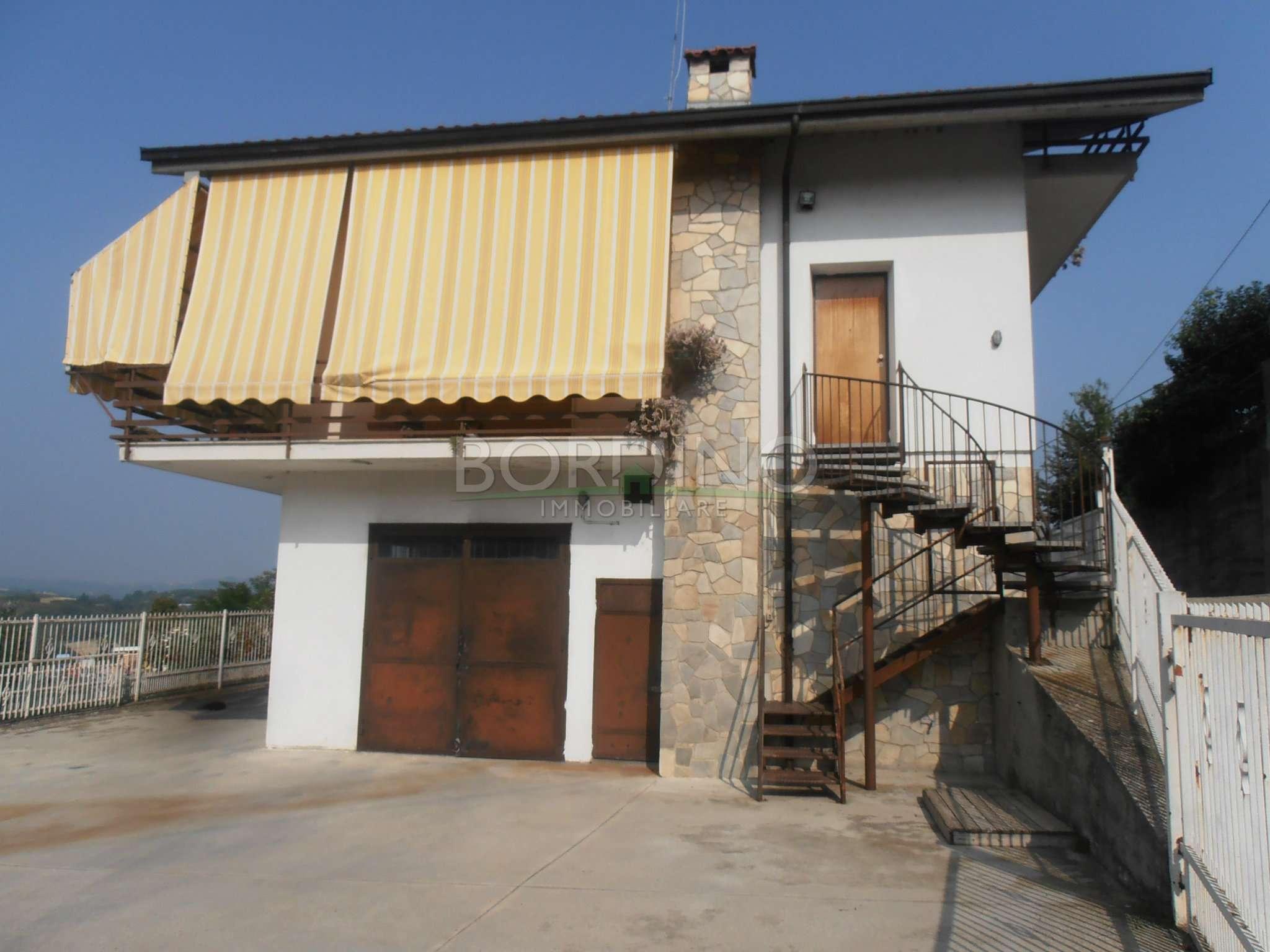 Villa Bifamiliare in vendita a Castellinaldo, 7 locali, prezzo € 165.000   PortaleAgenzieImmobiliari.it