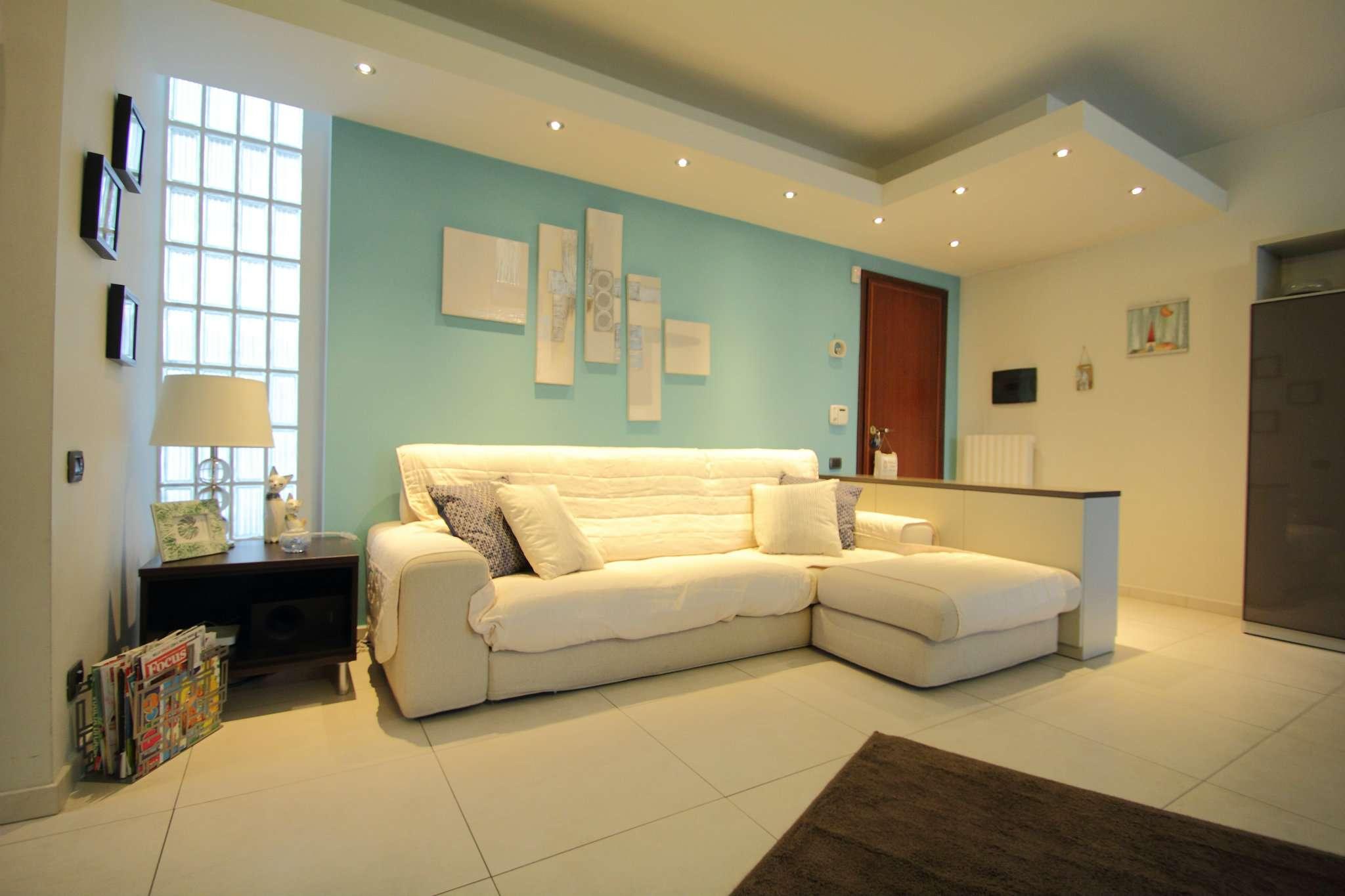Appartamento in buone condizioni in vendita Rif. 8815729