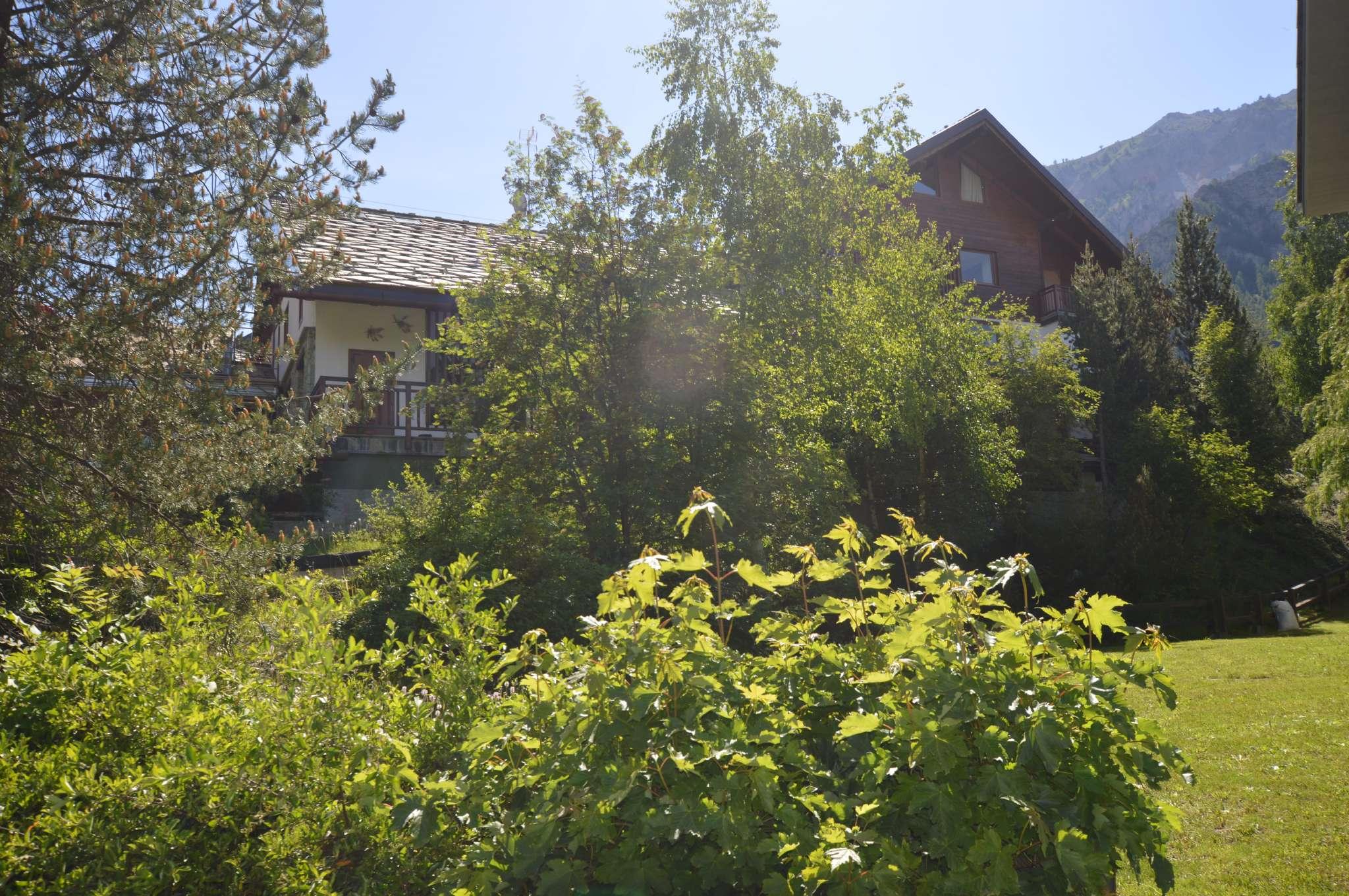Appartamento in ottime condizioni arredato in vendita Rif. 7282299