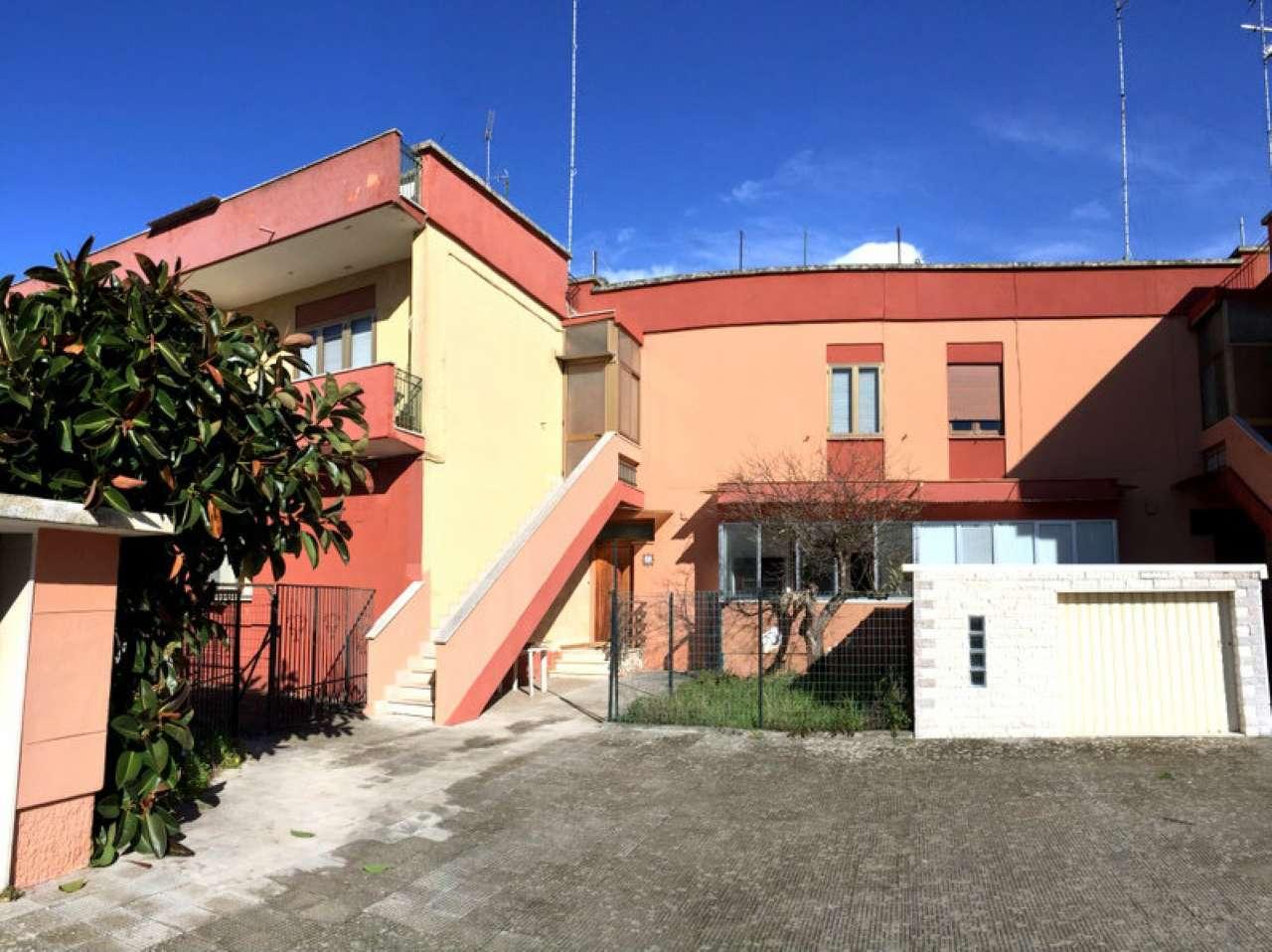 Casa Indipendente da ristrutturare in vendita Rif. 4841615
