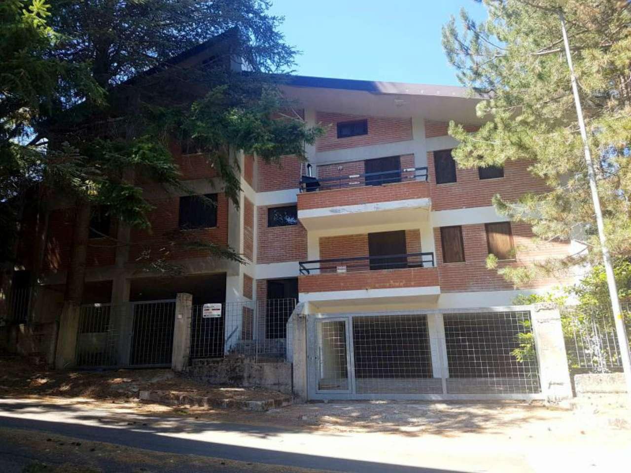 Appartamento in ottime condizioni arredato in vendita Rif. 4841626