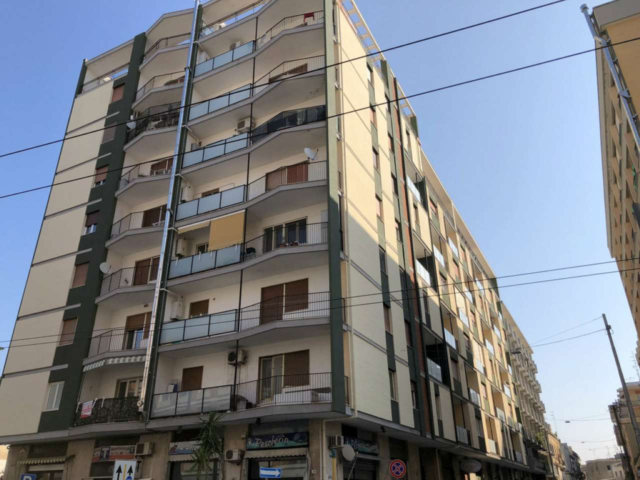Appartamento in discrete condizioni in vendita Rif. 6811092