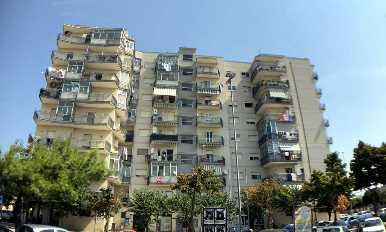 Appartamento in buone condizioni parzialmente arredato in vendita Rif. 7810013