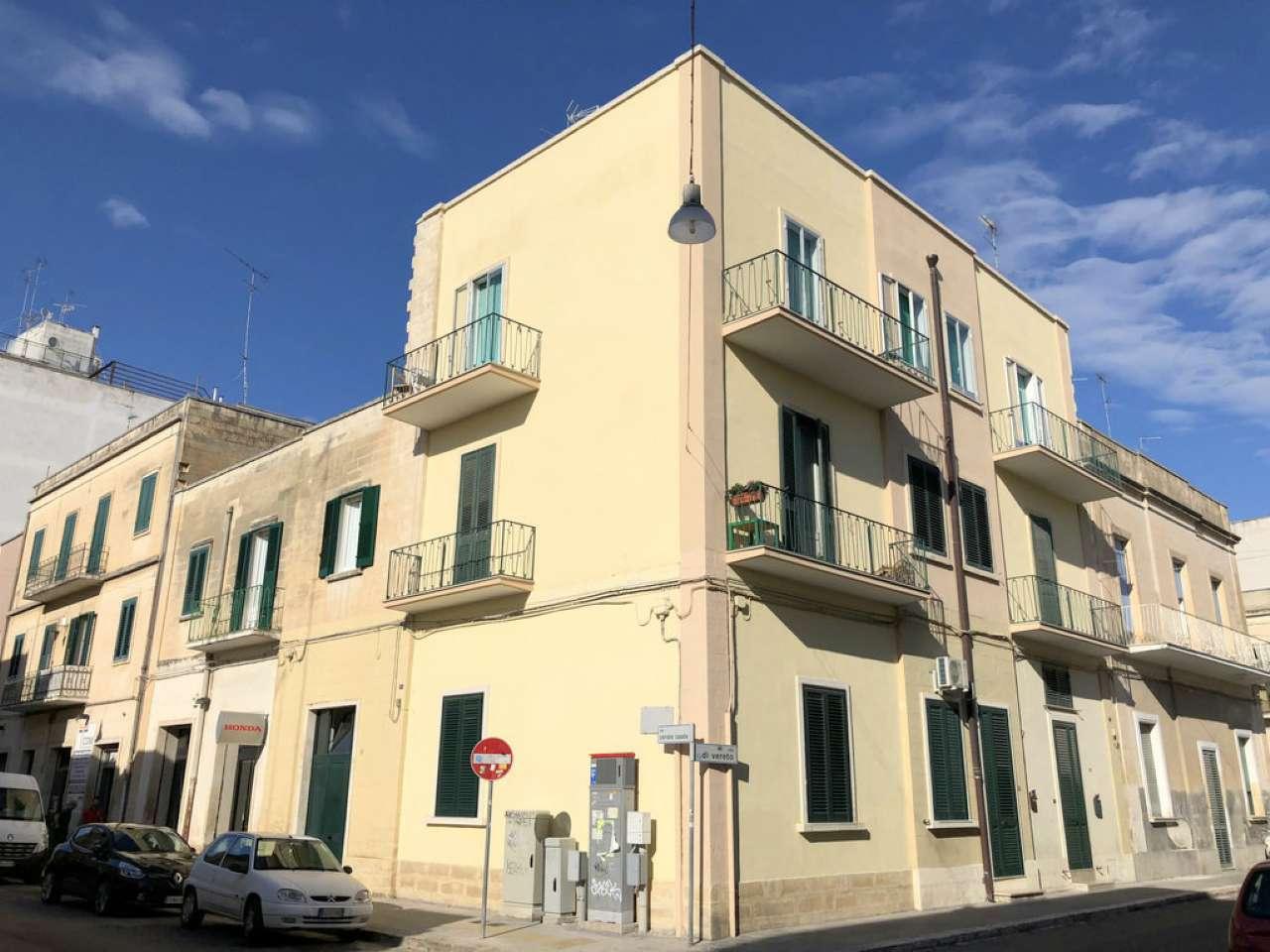 Appartamento in buone condizioni parzialmente arredato in vendita Rif. 7930214