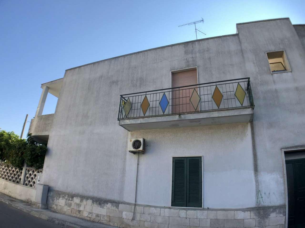 Appartamento in buone condizioni parzialmente arredato in vendita Rif. 8155364