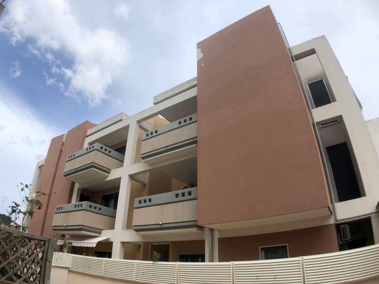 Appartamento al 2° Piano mq 120 ca 4 vani e accessori terrazzino e box auto di recente costruzione