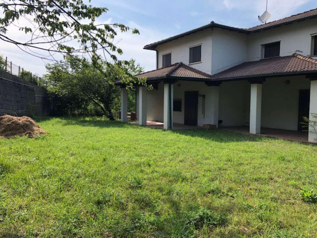 Villa in vendita a Gavi, 11 locali, prezzo € 480.000 | PortaleAgenzieImmobiliari.it