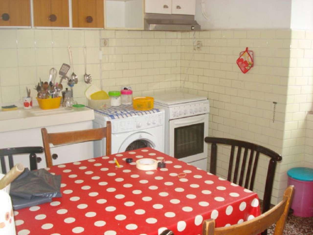 Appartamento genova affitto 100 mq riscaldamento - Cucina 1000 euro ...