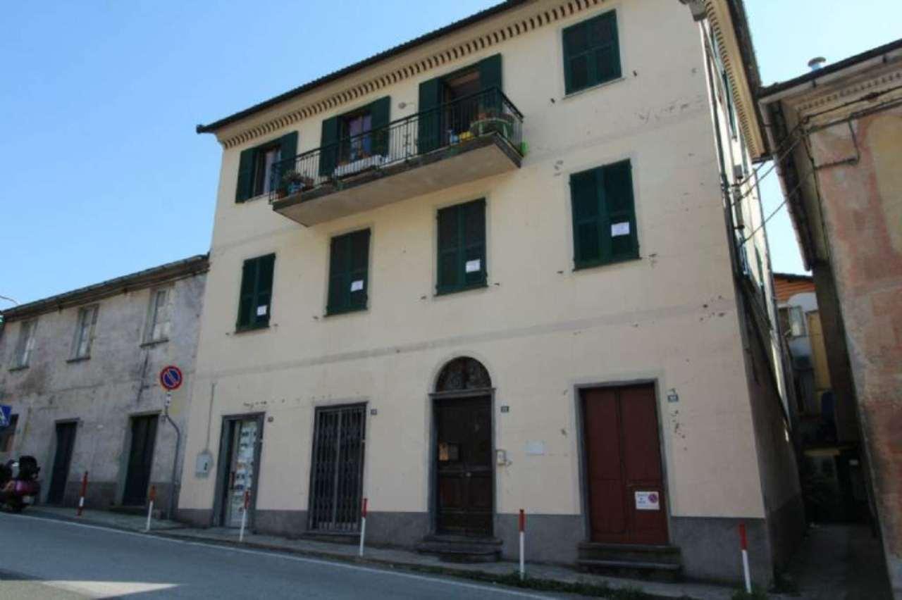 Appartamento in vendita a Uscio, 5 locali, prezzo € 115.000   CambioCasa.it