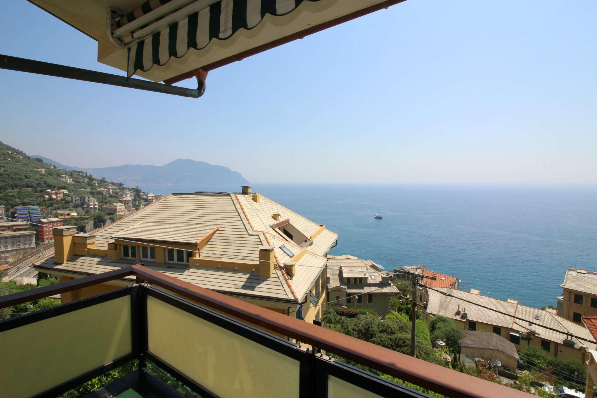 Appartamento in vendita a Sori, 4 locali, prezzo € 320.000 | CambioCasa.it