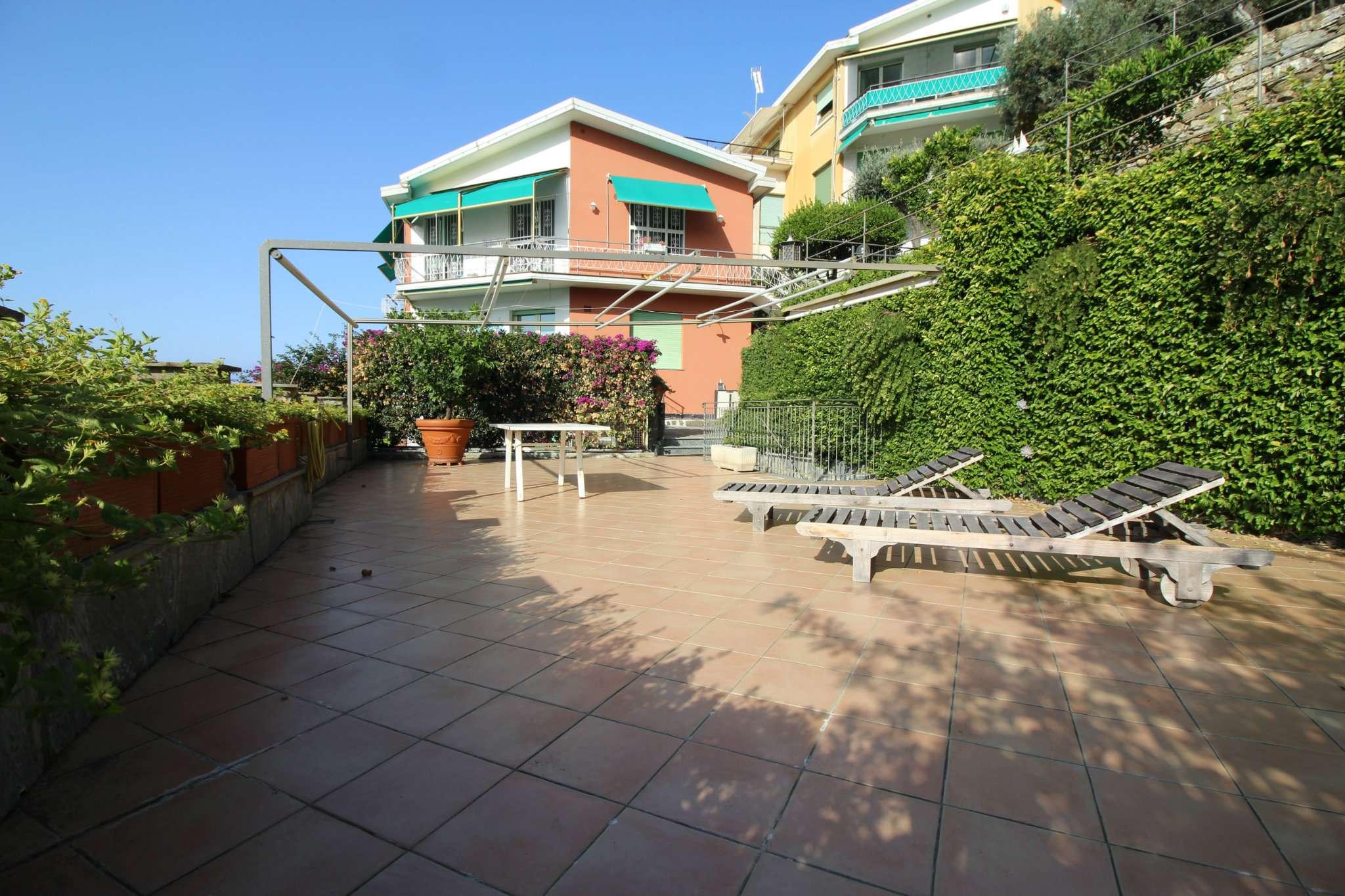 Appartamento in vendita a Sori, 4 locali, prezzo € 650.000 | CambioCasa.it