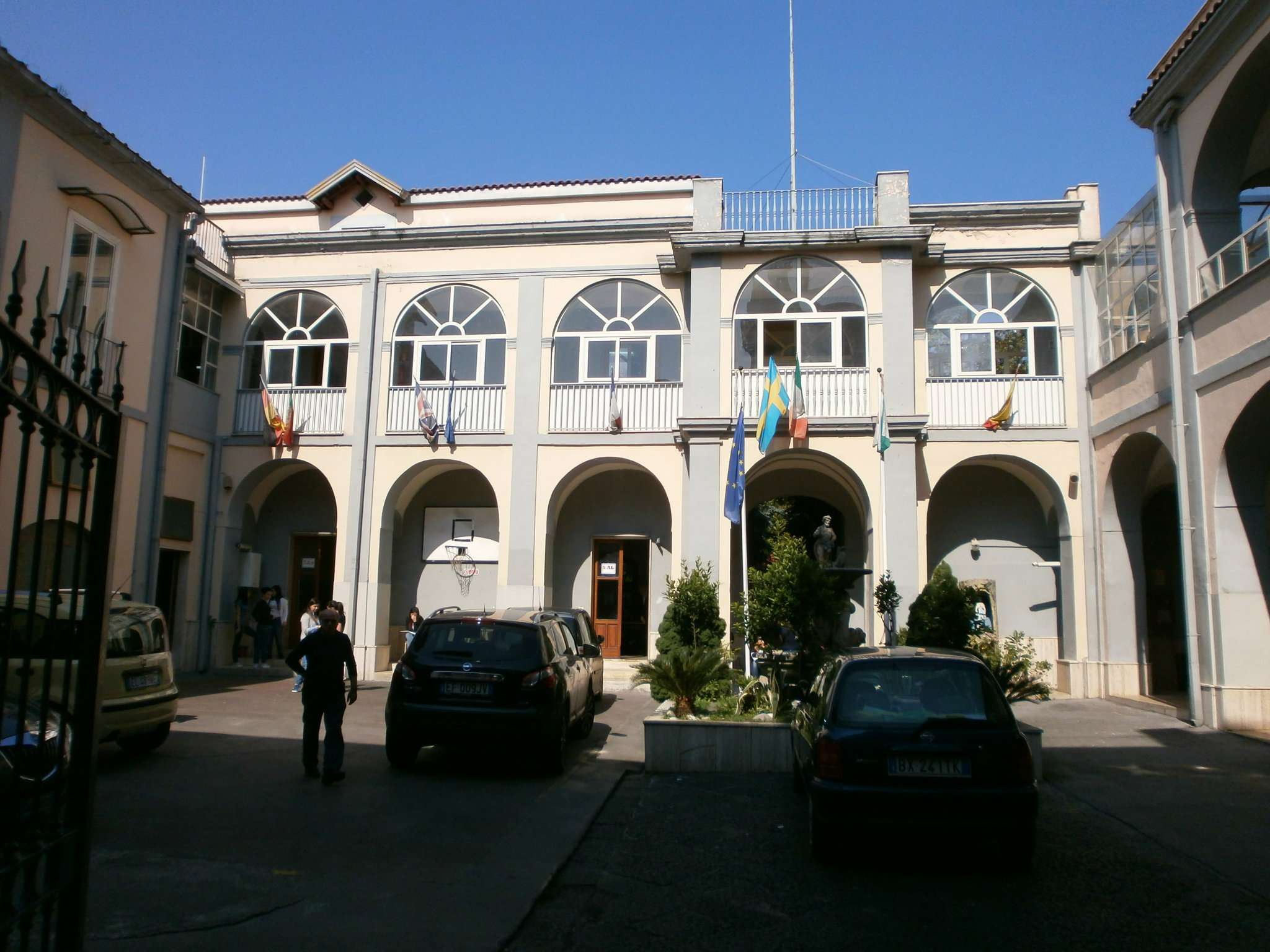 Immobile Commerciale in vendita a Marcianise, 30 locali, prezzo € 1.200.000 | CambioCasa.it