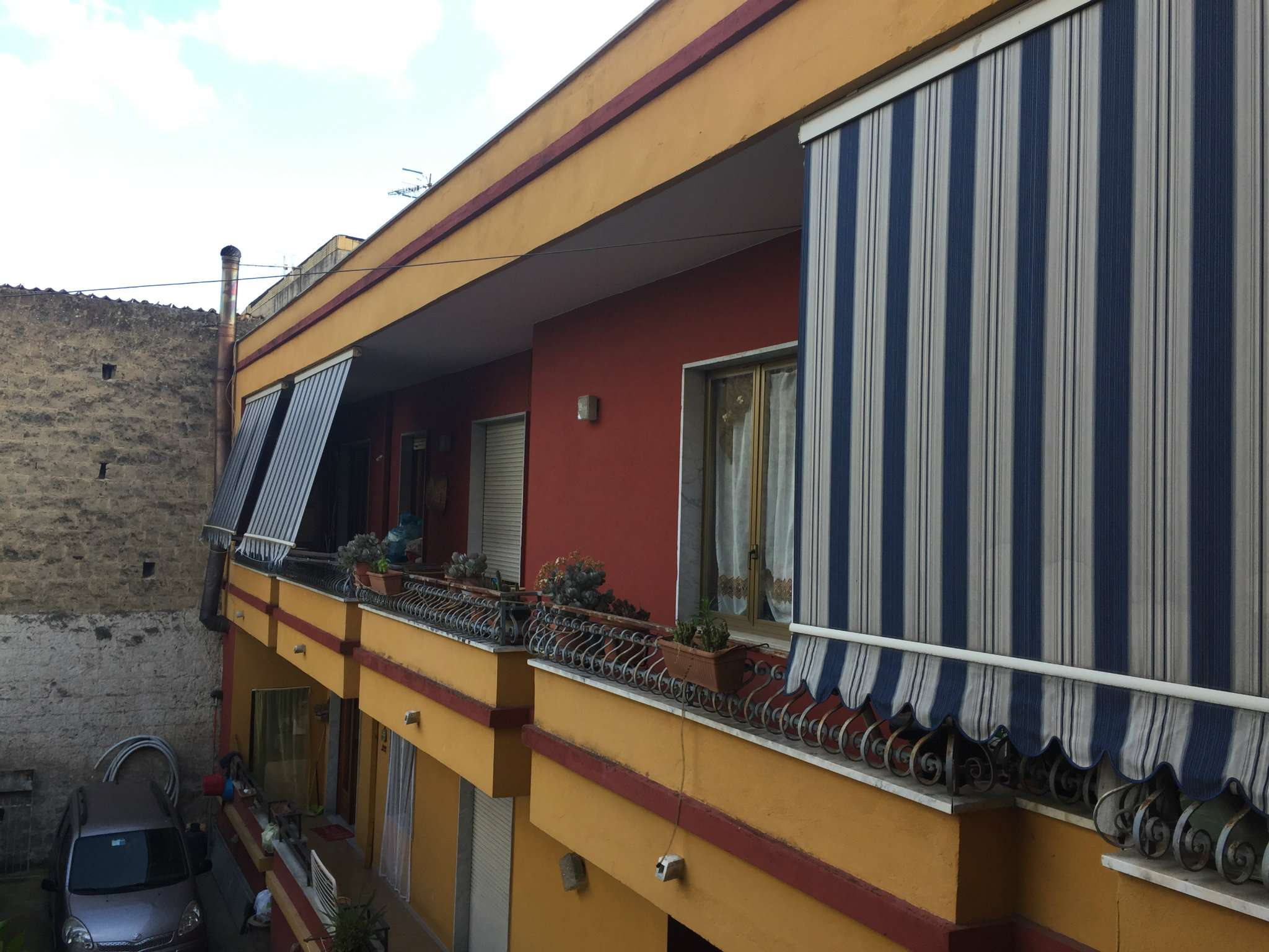 Appartamento in buone condizioni in vendita Rif. 6840216