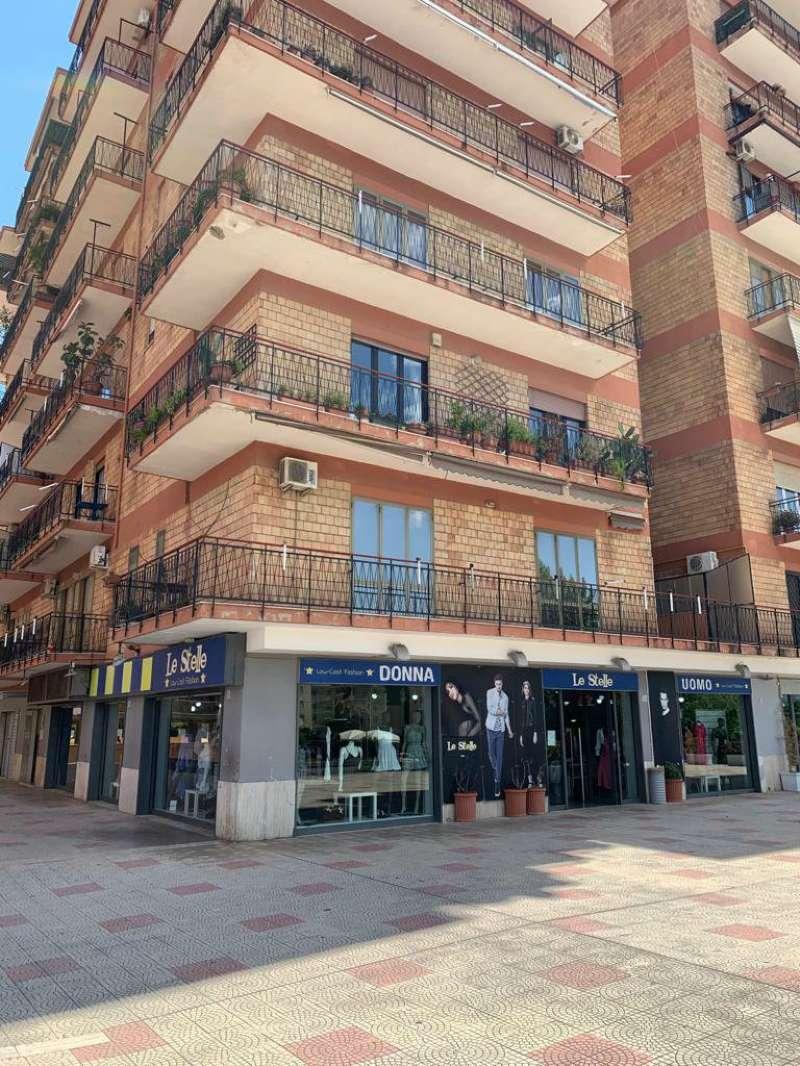 Ufficio / Studio in affitto a San Nicola la Strada, 9 locali, prezzo € 850 | CambioCasa.it